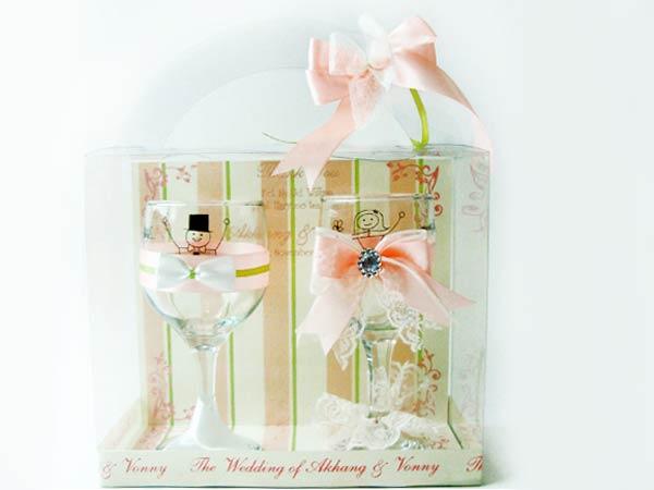 Tuxedo and Gown Wine Glasses,marco mario souvenir, wedding souvenirs, souvenir pernikahan surabaya indonesia, wedding favors, souvenir ideas, royal wedding souvenirs