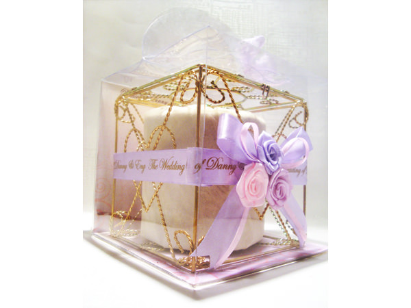 Violet Roses Gold Iron Tissue Box,marco mario souvenir, wedding souvenirs, souvenir pernikahan surabaya indonesia, wedding favors, souvenir ideas, royal wedding souvenirs