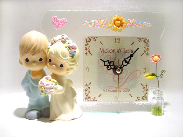 Romantic Couple Stained Gls Clock,marco mario souvenir, wedding souvenirs, souvenir pernikahan surabaya indonesia, wedding favors, souvenir ideas, royal wedding souvenirs