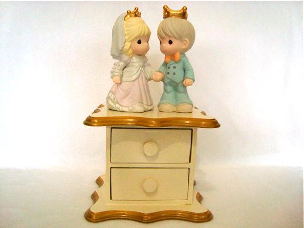 King and Queen drawers,marco mario souvenir, wedding souvenirs, souvenir pernikahan surabaya indonesia, wedding favors, souvenir ideas, royal wedding souvenirs