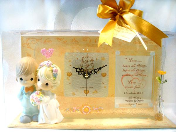 Romantic Couple Clock and frame,marco mario souvenir, wedding souvenirs, souvenir pernikahan surabaya indonesia, wedding favors, souvenir ideas, royal wedding souvenirs
