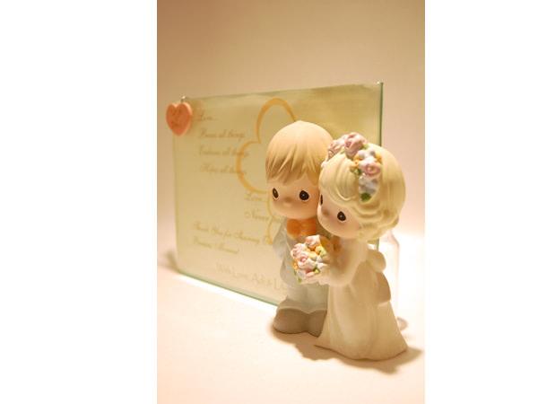 Romantic Couple 5R glass photo frame,marco mario souvenir, wedding souvenirs, souvenir pernikahan surabaya indonesia, wedding favors, souvenir ideas, royal wedding souvenirs