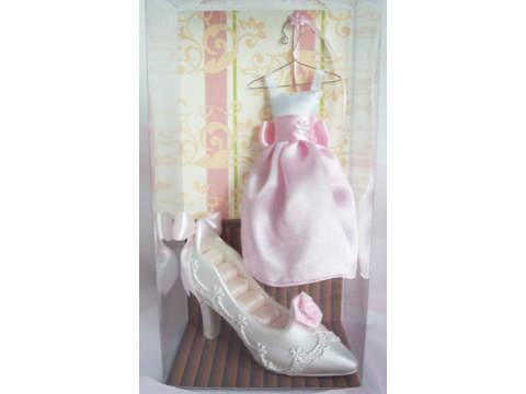 Potpourri Gown and Stiletto Ring Holder,marco mario souvenir, wedding souvenirs, souvenir pernikahan surabaya indonesia, wedding favors, souvenir ideas, royal wedding souvenirs