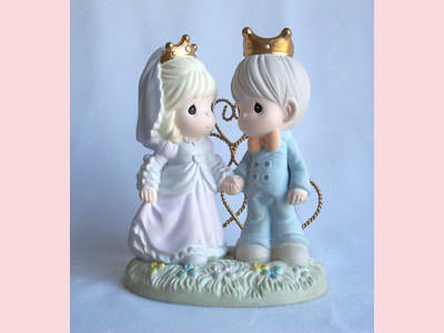 King and Queen Letter Holder,marco mario souvenir, wedding souvenirs, souvenir pernikahan