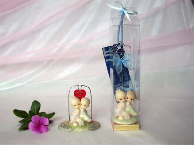 Romantic Couple Memo Holder ,marco mario souvenir, wedding souvenirs, souvenir pernikahan
