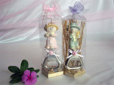 Romantic Bear Bottle Opener,marco mario souvenir, wedding souvenirs, souvenir pernikahan surabaya indonesia, wedding favors, souvenir ideas, royal wedding souvenirs