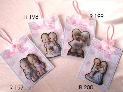 Romantic Couple Wooden Magnet,marco mario souvenir, wedding souvenirs, souvenir pernikahan surabaya indonesia, wedding favors, souvenir ideas, royal wedding souvenirs