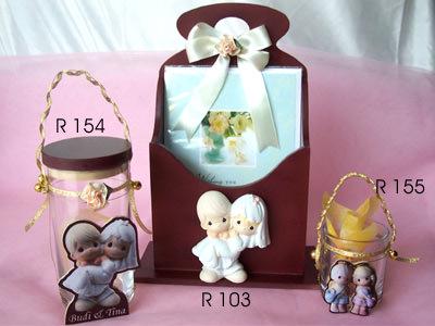 Romantic Couple Set,marco mario souvenir, wedding souvenirs, souvenir pernikahan surabaya indonesia, wedding favors, souvenir ideas, royal wedding souvenirs