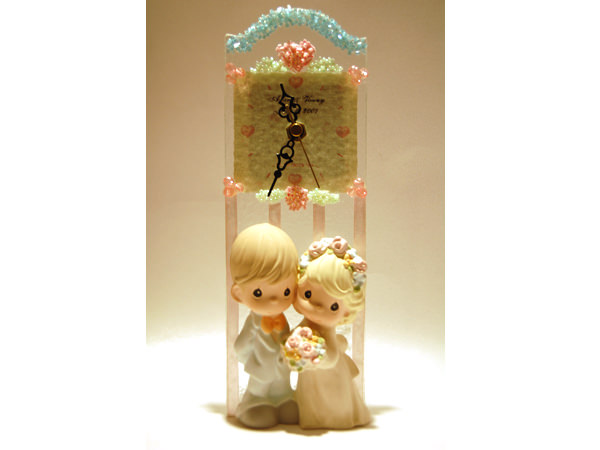Romantic Couple Potrait Glass Clock,marco mario souvenir, wedding souvenirs, souvenir pernikahan
