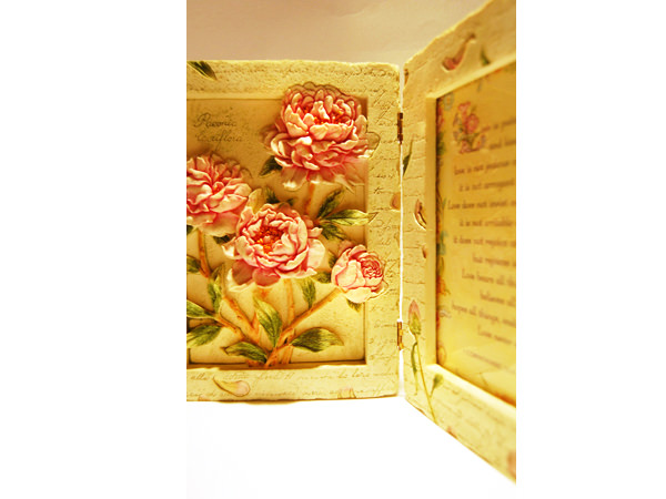 Peony 4R Photo Frame,marco mario souvenir, wedding souvenirs, souvenir pernikahan surabaya indonesia, wedding favors, souvenir ideas, royal wedding souvenirs