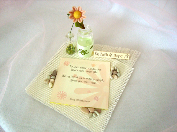 Daisy memo and pen holder,marco mario souvenir, wedding souvenirs, souvenir pernikahan surabaya indonesia, wedding favors, souvenir ideas, royal wedding souvenirs