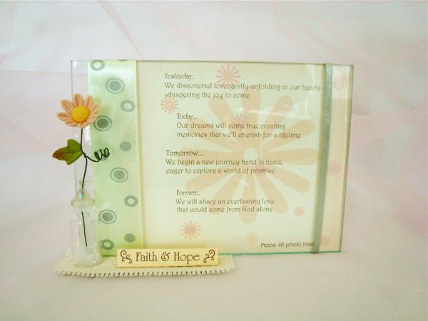 Daisy 4R photo frame and pen holder,marco mario souvenir, wedding souvenirs, souvenir pernikahan surabaya indonesia, wedding favors, souvenir ideas, royal wedding souvenirs
