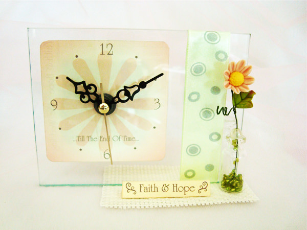 Daisy Clock1,marco mario souvenir, wedding souvenirs, souvenir pernikahan surabaya indonesia, wedding favors, souvenir ideas, royal wedding souvenirs