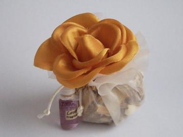 Flower Potpourri,marco mario souvenir, wedding souvenirs, souvenir pernikahan surabaya indonesia, wedding favors, souvenir ideas, royal wedding souvenirs