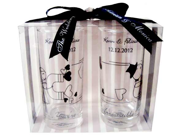 Persoanlized Drinking Glass of Set 2,marco mario souvenir, wedding souvenirs, souvenir pernikahan