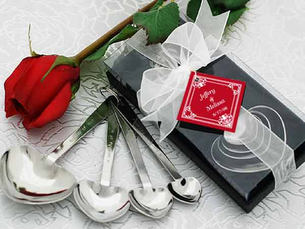 Love Beyond Measure Measuring Spoons,marco mario souvenir, wedding souvenirs, souvenir pernikahan surabaya indonesia, wedding favors, souvenir ideas, royal wedding souvenirs
