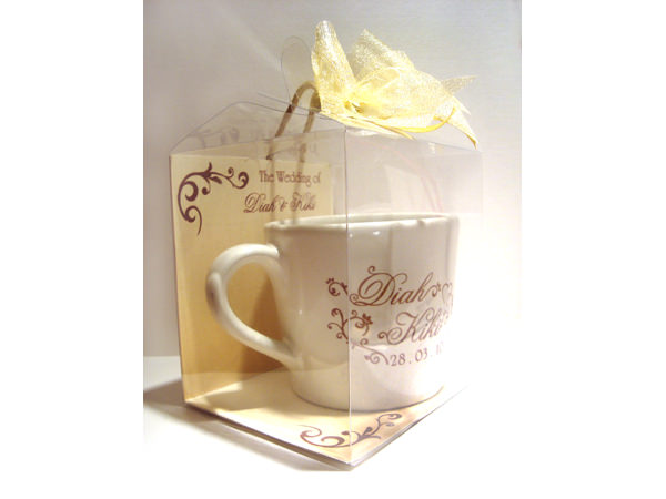 Elegant Medium Mug,marco mario souvenir, wedding souvenirs, souvenir pernikahan surabaya indonesia, wedding favors, souvenir ideas, royal wedding souvenirs
