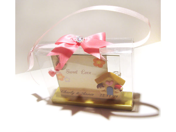 Sweet Couple 2R Frame,marco mario souvenir, wedding souvenirs, souvenir pernikahan surabaya indonesia, wedding favors, souvenir ideas, royal wedding souvenirs