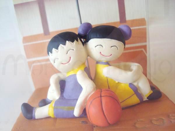 Basketball Couple Photo Holder,marco mario souvenir, wedding souvenirs, souvenir pernikahan surabaya indonesia, wedding favors, souvenir ideas, royal wedding souvenirs