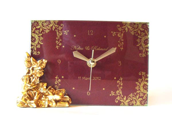 Gold Roses Glass Clock,marco mario souvenir, wedding souvenirs, souvenir pernikahan surabaya indonesia, wedding favors, souvenir ideas, royal wedding souvenirs