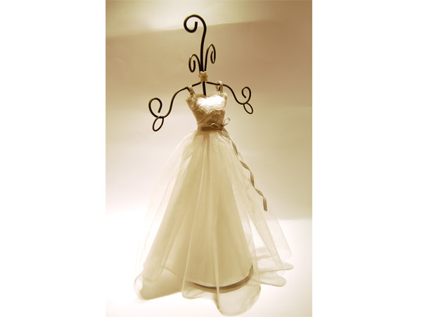Wedding Gown Jewelry Holder,marco mario souvenir, wedding souvenirs, souvenir pernikahan surabaya indonesia, wedding favors, souvenir ideas, royal wedding souvenirs