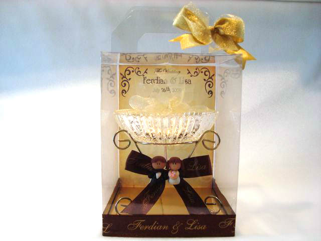 Sweet Couple Crystal Candy Holder,marco mario souvenir, wedding souvenirs, souvenir pernikahan surabaya indonesia, wedding favors, souvenir ideas, royal wedding souvenirs