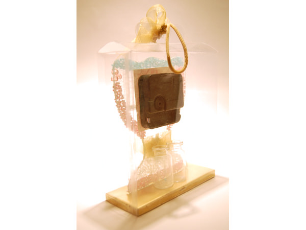 Modern Goblet Glass Clock,marco mario souvenir, wedding souvenirs, souvenir pernikahan surabaya indonesia, wedding favors, souvenir ideas, royal wedding souvenirs
