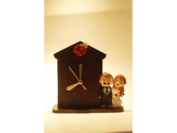 Happy Couple House Clock ,marco mario souvenir, wedding souvenirs, souvenir pernikahan