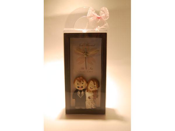 Happy Couple Clock,marco mario souvenir, wedding souvenirs, souvenir pernikahan