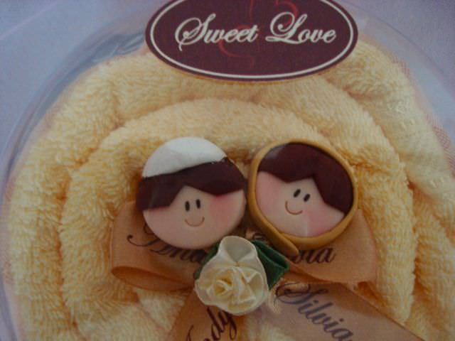 Towel Tart,marco mario souvenir, wedding souvenirs, souvenir pernikahan surabaya indonesia, wedding favors, souvenir ideas, royal wedding souvenirs