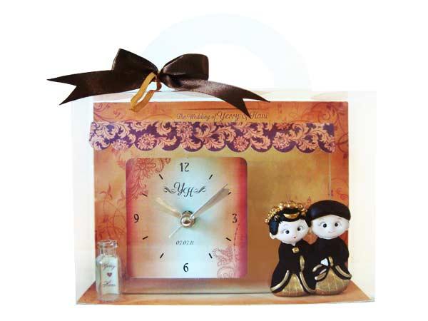 Traditional Glass Clock New,marco mario souvenir, wedding souvenirs, souvenir pernikahan