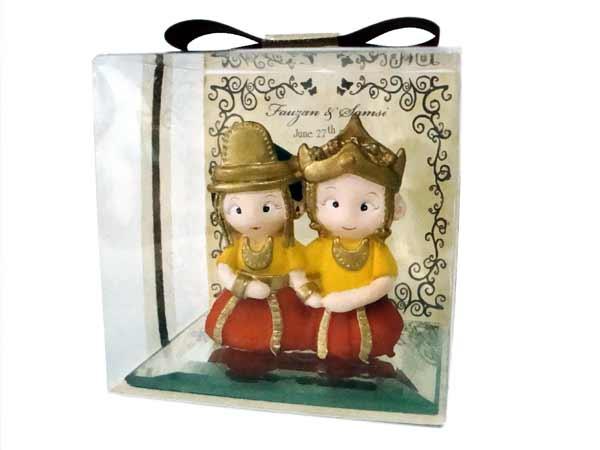 Kutai Traditional Wedding Pen Holder,marco mario souvenir, wedding souvenirs, souvenir pernikahan surabaya indonesia, wedding favors, souvenir ideas, royal wedding souvenirs