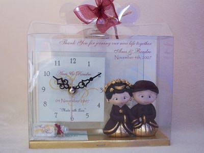 Traditional Clear Glass Clock,marco mario souvenir, wedding souvenirs, souvenir pernikahan surabaya indonesia, wedding favors, souvenir ideas, royal wedding souvenirs