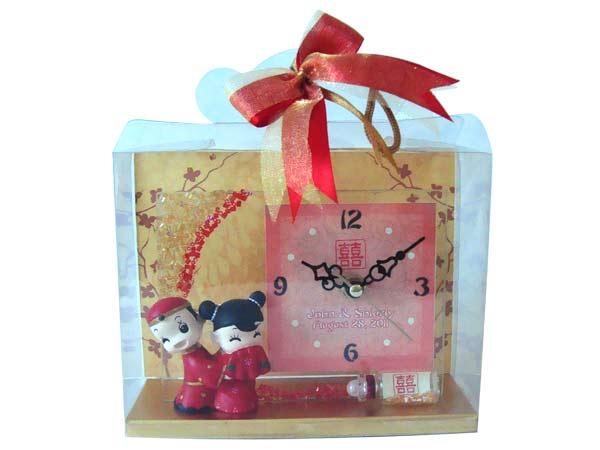 Glittery Oriental Clock,marco mario souvenir, wedding souvenirs, souvenir pernikahan surabaya indonesia, wedding favors, souvenir ideas, royal wedding souvenirs