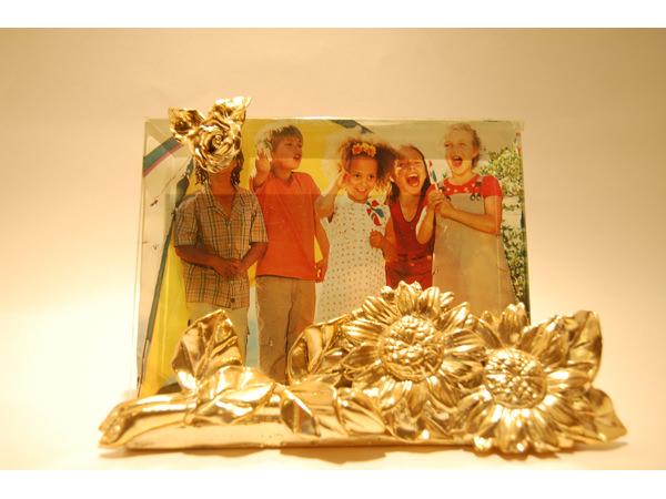 Gold Sunflower Frame,marco mario souvenir, wedding souvenirs, souvenir pernikahan surabaya indonesia, wedding favors, souvenir ideas, royal wedding souvenirs