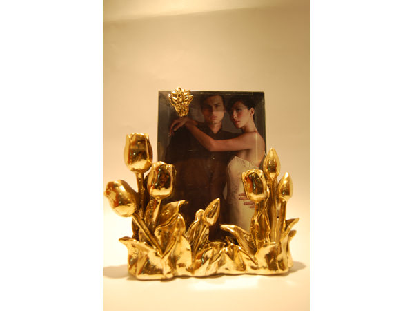 Golden Tulip Frame,marco mario souvenir, wedding souvenirs, souvenir pernikahan surabaya indonesia, wedding favors, souvenir ideas, royal wedding souvenirs