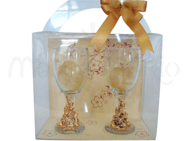 Gold Wine Glasses,marco mario souvenir, wedding souvenirs, souvenir pernikahan surabaya indonesia, wedding favors, souvenir ideas, royal wedding souvenirs
