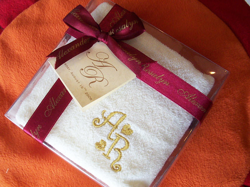Personalized Towel ,marco mario souvenir, wedding souvenirs, souvenir pernikahan surabaya indonesia, wedding favors, souvenir ideas, royal wedding souvenirs