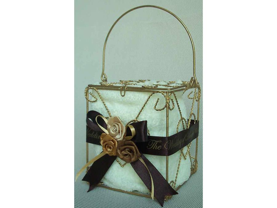 Gold Wrought Iron Tissue Box,marco mario souvenir, wedding souvenirs, souvenir pernikahan surabaya indonesia, wedding favors, souvenir ideas, royal wedding souvenirs
