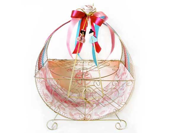 Favourite Engagement Basket,marco mario souvenir, wedding souvenirs, souvenir pernikahan surabaya indonesia, wedding favors, souvenir ideas, royal wedding souvenirs