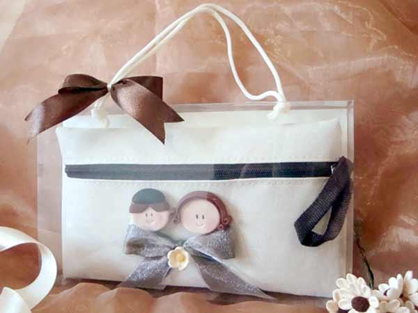 Romantic Couple Cosmetic Pouch,,marco mario souvenir, wedding souvenirs, souvenir pernikahan surabaya indonesia, wedding favors, souvenir ideas, royal wedding souvenirs