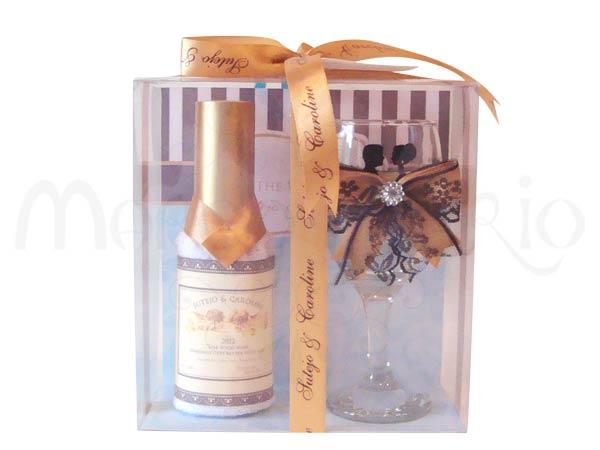 Wedding Wine Gold bottle towel,marco mario souvenir, wedding souvenirs, souvenir pernikahan surabaya indonesia, wedding favors, souvenir ideas, royal wedding souvenirs