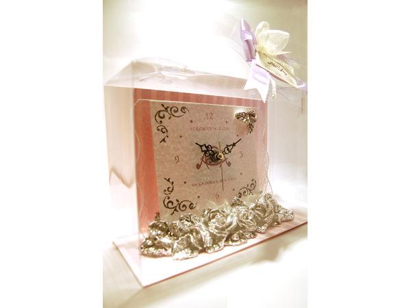Silver Roses Glass Clock,marco mario souvenir, wedding souvenirs, souvenir pernikahan surabaya indonesia, wedding favors, souvenir ideas, royal wedding souvenirs