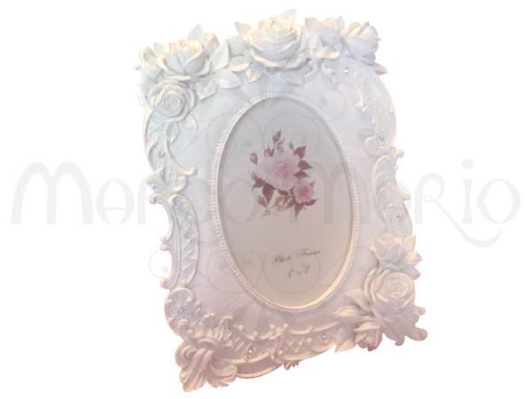 White Classic Frame,marco mario souvenir, wedding souvenirs, souvenir pernikahan surabaya indonesia, wedding favors, souvenir ideas, royal wedding souvenirs