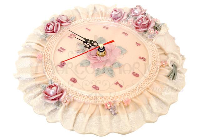 Floral rounded Wall Clock,marco mario souvenir, wedding souvenirs, souvenir pernikahan surabaya indonesia, wedding favors, souvenir ideas, royal wedding souvenirs