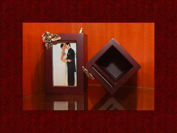 Wooden Box and Photo Frame,marco mario souvenir, wedding souvenirs, souvenir pernikahan surabaya indonesia, wedding favors, souvenir ideas, royal wedding souvenirs
