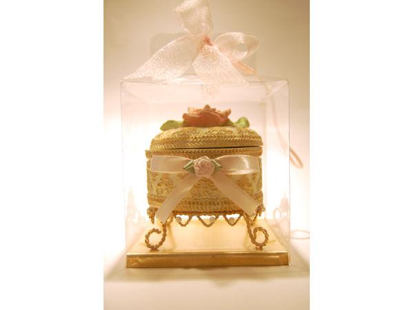 Elegant Rose Jewelry Box,marco mario souvenir, wedding souvenirs, souvenir pernikahan surabaya indonesia, wedding favors, souvenir ideas, royal wedding souvenirs