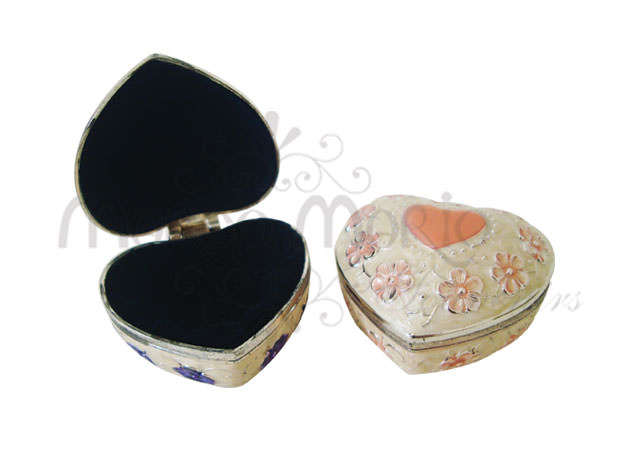 classic heart jewelry box,marco mario souvenir, wedding souvenirs, souvenir pernikahan surabaya indonesia, wedding favors, souvenir ideas, royal wedding souvenirs
