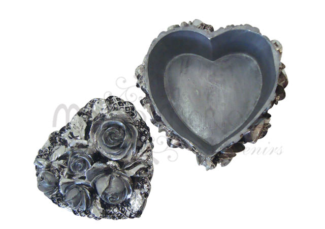 heart chrome jewelry box,marco mario souvenir, wedding souvenirs, souvenir pernikahan surabaya indonesia, wedding favors, souvenir ideas, royal wedding souvenirs