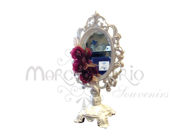 White victorian standing mirror,marco mario souvenir, wedding souvenirs, souvenir pernikahan surabaya indonesia, wedding favors, souvenir ideas, royal wedding souvenirs